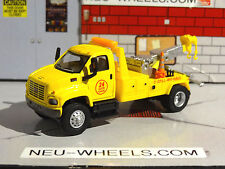2003 GMC TOPKICK TOW TRUCK YELLOW 1/87 SCALE DIORAMA DIECAST COLLECTIBLE PG