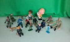 16 Piece Assorted Toy Figurine Lot. Military Men,Peanuts,Lego & More