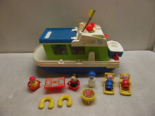 VINTAGE FISHER PRICE PLAY FAMILY HOUSEBOAT HOUSE BOAT 985 COMPLETE