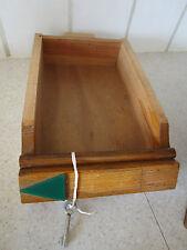 ancien tiroir en bois pour boite à lettres d'immeuble  années 60 avec sa clé