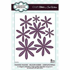 SUE WILSON FINISHING TOUCHES DELICATE DAISIES COMPLETE PETALS DIE SET CED1417