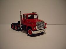 DCP 1/64 NEW RED FORD 9000 LOUISVILLE DAY CAB FIRST GEAR