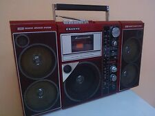 VINTAGE RADIO - CASSETTE PLAYER/RECORDER SANYO M9819-2K From 80's