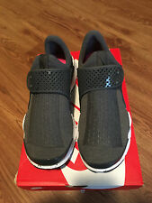 NEW Men's Nike Sock Dart Size 9 Wolf Grey/White