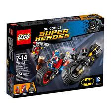 LEGO DC Comics Super Heroes Batman Gotham City Cycle Chase