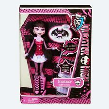MONSTER HIGH Doll DRACULAURA original WAVE 2012 WITH PET NIB by Mattel