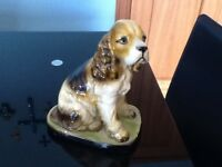 CUTE VINTAGE/ART DECO ? CHALK/PLASTER KING CHARLES SPANIEL DOG HEIGHT 21.5 CM GC