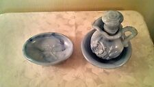 AVON 1978 VICTORIAN PITCHER AND BOWL SET BUBBLE BATH AND SOAP DISH BLUE SLAG MAR