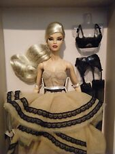 NRFB Integrity Ombres Poétique Mademoiselle Jolie Dressed Doll 2014 W Club