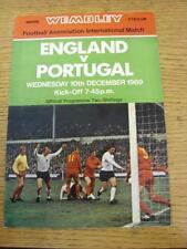 10/12/1969 angleterre/portugal [à wembley] (équipe de changements). objet en très bon avec