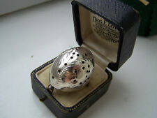 GORGEOUS VINTAGE SOLID STERLING SILVER ENGRAVED DOME PERFUME POISON RING SIZE N