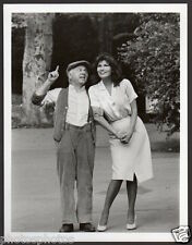 sexy RAQUEL WELCH & MICKEY ROONEY From Raquel With Love 1980 TV VINTAGE PHOTO