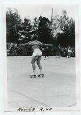 Sexy Shapely Roller Skating Girl Back to Camera Germany Vintage 1950s Photo