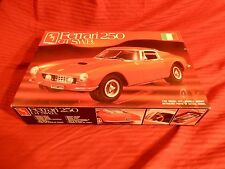 "1/24 AMT Ferrari 250 GT SWB Berlinetta # 8688 ""1989"" Molded in 4 Colors F/S Bags"