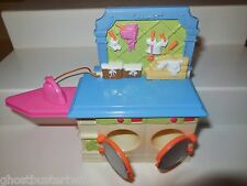 FISHER PRICE LOVING FAMILY DOLL TOWNHOUSE DOLLHOUSE WASHER DRYER FURNITURE LOT