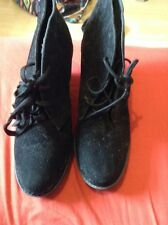 black ankle boots size 7 wedges
