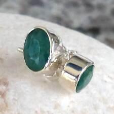 Schöne Ohrstecker mit ovalen Smaragd l-925 Silber- Elegant