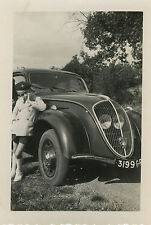 PHOTO ANCIENNE - VINTAGE SNAPSHOT - VOITURE PEUGEOT 202 AUTOMOBILE - OLD CAR BOY