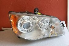 2011-2012 CHRYSLER TOWN COUNTRY RIGHT HEADLIGHT