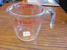 Pyrex 4 cup and 2 cup (1 quart and 1 pint) measuring cups