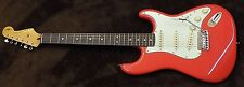 Squier Classic Vibe Simon Neil Signature 60's Stratocaster Fiesta Red Gig Bag