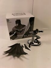 RARE 1st EDITION DC COLLECTIBLES GREG CAPULLO BATMAN BLACK & WHITE STATUE BROKEN