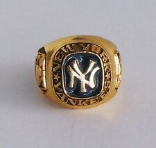 NY Yankees Replica Major League Baseball Key Chain Ring Gold Plated 1980's