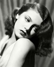 Lana Turner UNSIGNED photo - H417 - BEAUTIFUL!!!!