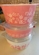 Lot of 3 Pyrex Gooseberry Casseroles With 2 Lids Tab Handles/pink, White