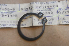 YAMAHA RD250 XT500 R5 DT360 DS7 GENUINE FRONT WHEEL HUB CIRCLIP - # 93410-22014