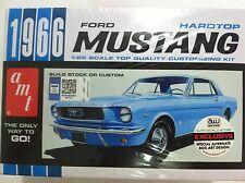 AMT 1966 Ford Mustang Plastic Model Car Kit AMTSCMO18/12 SCMO18