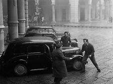 Photo originale Salvatori Brialy banda Casaroli Bologne taxi automobile gangster