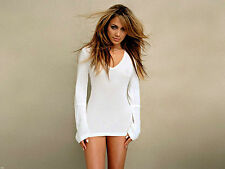 Jennifer Lopez Unsigned 8x10 Photo (144)