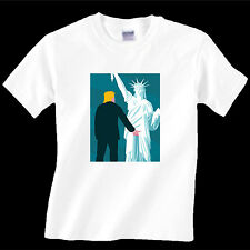 T-shirt political, Trump Grabs Lady Liberty Size L Funny!