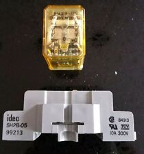 ** USED ** IDEC RELAY RH2B-UL WITH BASE SH2B-05