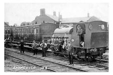 pt0082 - Train at Easingwold Railway Station , Yorkshire - photo 6x4