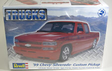 Revell 1/25 '99 Chevy Silverado Custom Pickup Plastic Model Kit 85-7200