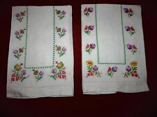 "Vintage Set of 2 Linen Embroidered Floral Tablecloth Towel Cloth 13"" x 18 1/4"""
