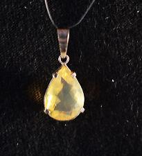 Pendentif Opale de Feu gemme faceté sertie sur argent