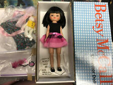 ROBERT TONNER BETSY MCCALL BETSY'S BIRTHDAY PARTY DOLL W/ EXTRA OUTFIT