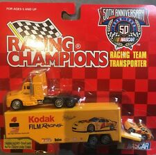 KODAK RACING CHAMPIONS #4 Bobby Hamilton TRANSPORTER w/ Car New on the Card 1:64