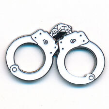 Handcuffs Handfesseln Acht Handschellen Metall Button Pin Anstecker 0331