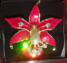 Thai Pin Brooch - Flower w/sim pearl drop                                  PF011