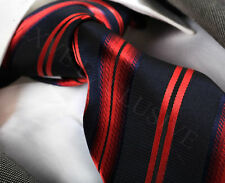 NUOVO Stilista Italiano Navy Blue & Red Stripe Cravatta di seta