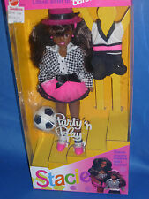 ♥♥ 90-er NRFB TOP Rarität Party`n Play AA Stacie Fussball Barbie 1992