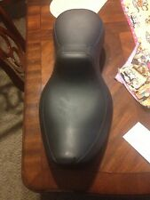 harley davidson seat:  dose any one know what kind of seat this is
