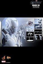 Hot Toys MMS329 IRON MAN MARK VII (SUB-ZERO VERSION)