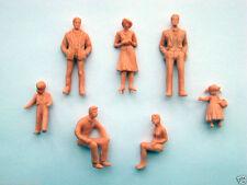 F22 - 20 Stück Figuren stehend + sitzend 1:32 unbemalt für Spur 1 + Carrera 132