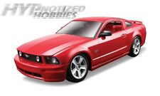 MAISTO 1:24 MODEL KIT  2006 FORD MUSTANG GT  DIE-CAST RED 39997
