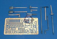 Royal Model 1/35 Sd.Kfz.250 / Sd.Kfz.251 Tools and Holders WWII Update Set 498